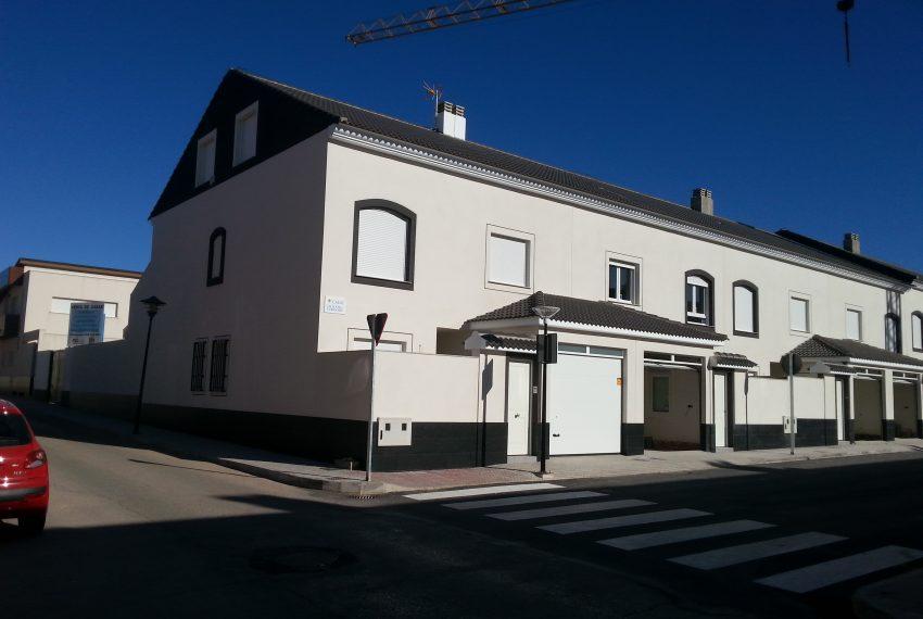 8 Viviendas en calle CALIFATO DE CORDOBA 1 a 15 de Residencial Covadonga